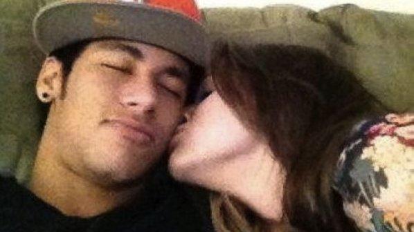 Foto Seksi Bruna Marquezine Kekasih Bintang Brasil Neymar