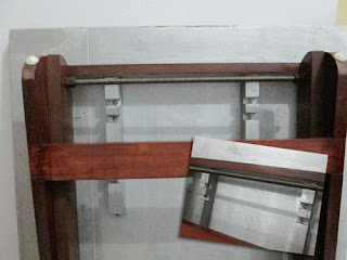 Versatile_table_imitating_ironing_table_idea