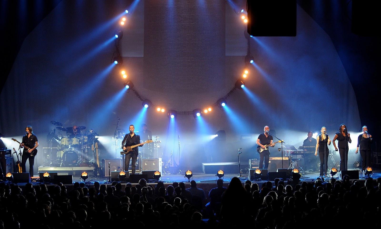 За все время своего существования группа выпустила 15 альбомов, продала более млн записей, вошла в список 10 лучших групп всех времен и даже получила премию грэмми.