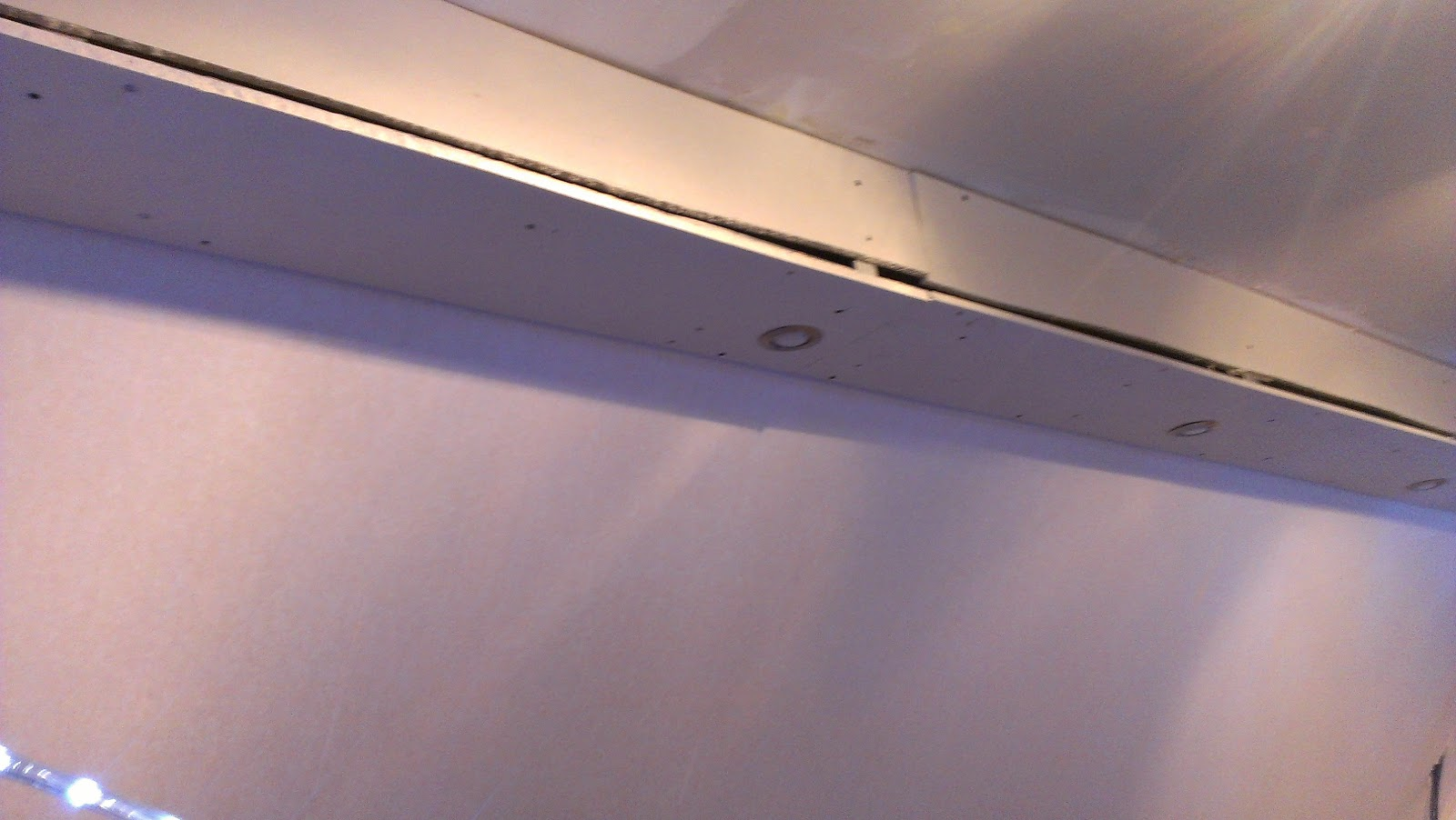 Nico stef faux plafond lumineux - Comment mettre des spots dans un faux plafond ...