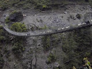 Ghasa, Nepal-10 jembatan berbahaya di dunia