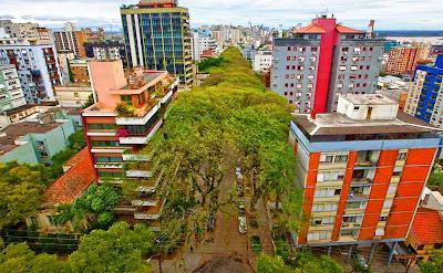 rua mais bonita do mundo poa porto alegre rs brasil rua gonçalo sul pais carvalho capital