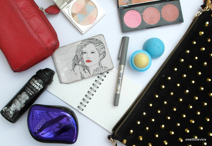 OneLittleVice Beauty Blog: What's In My Handbag