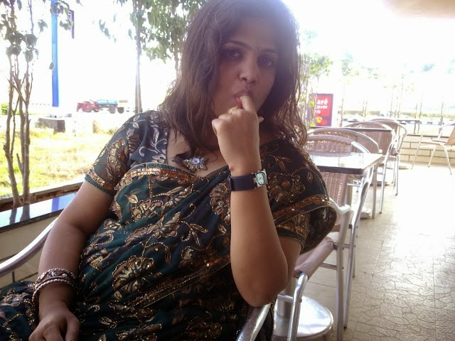 Sexy Telugu Aunty From Hyderabad Showing Her Naked Body