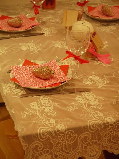 déco table fête dentelle