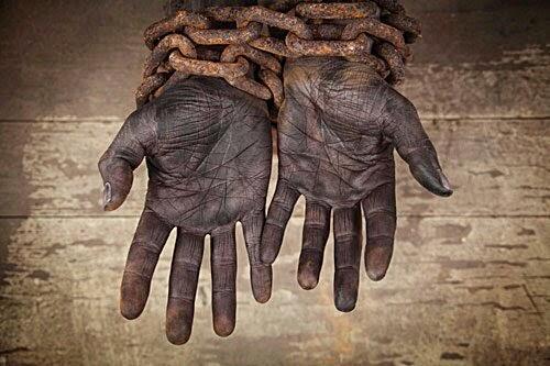 """""""Sólo hay un destino para aquellos que renuncian a buscar la libertad: la esclavitud."""""""