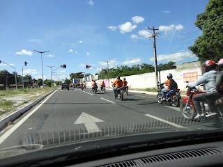 Flagra da romaria dos motociclistas na Av. Leão Sampaio.