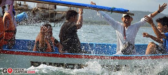 serunya naik perahu di Pangandaran