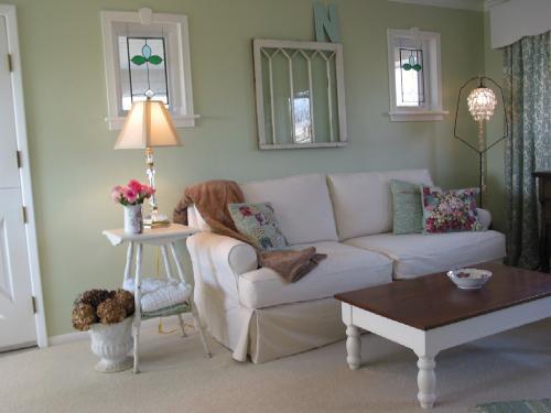 A Joyful Cottage A 60 39 S Ranch Home Gets A New Cottage Identity