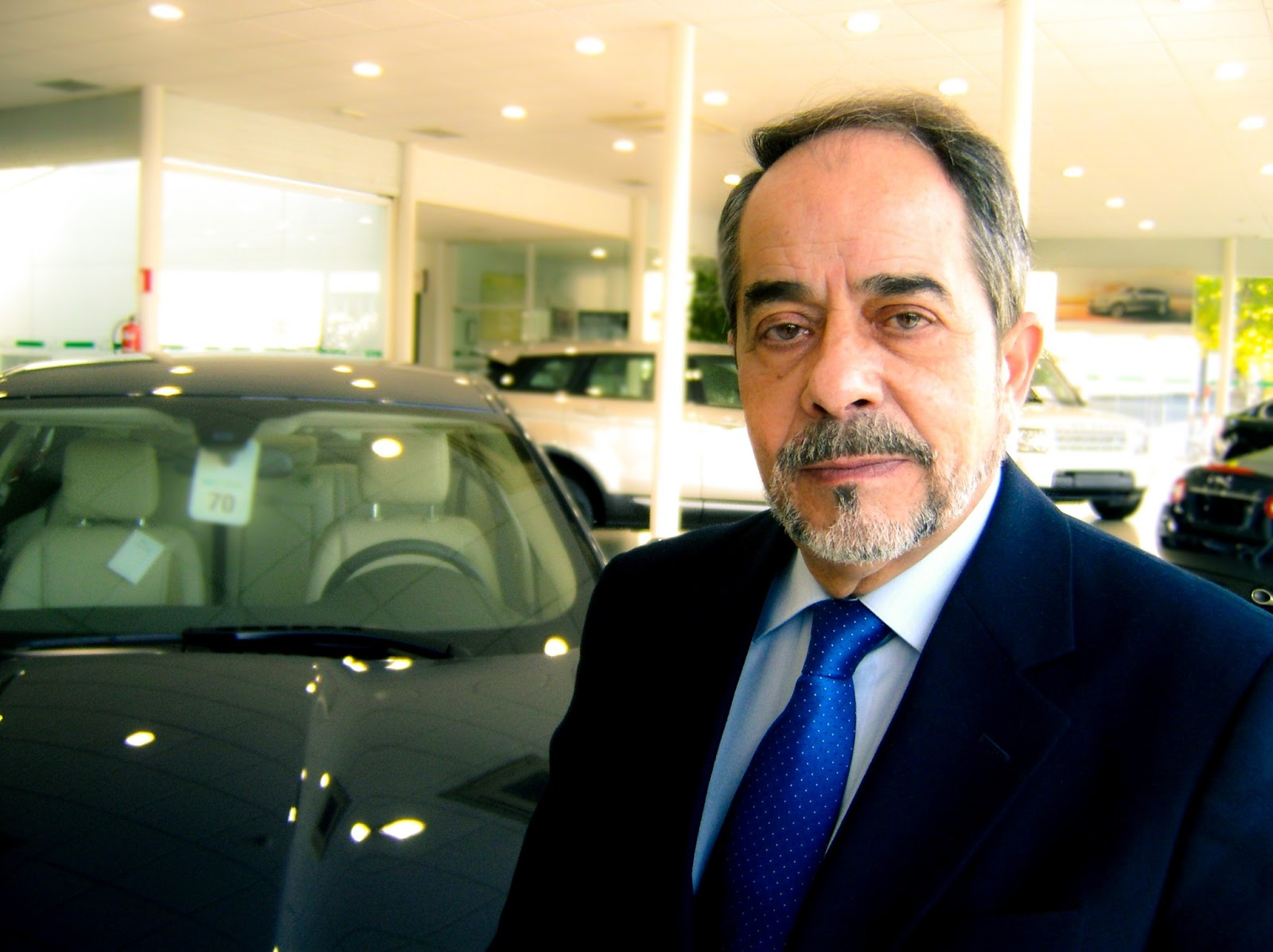 Todomotor noticias classic car concesionario land rover y - Concesionario land rover madrid ...