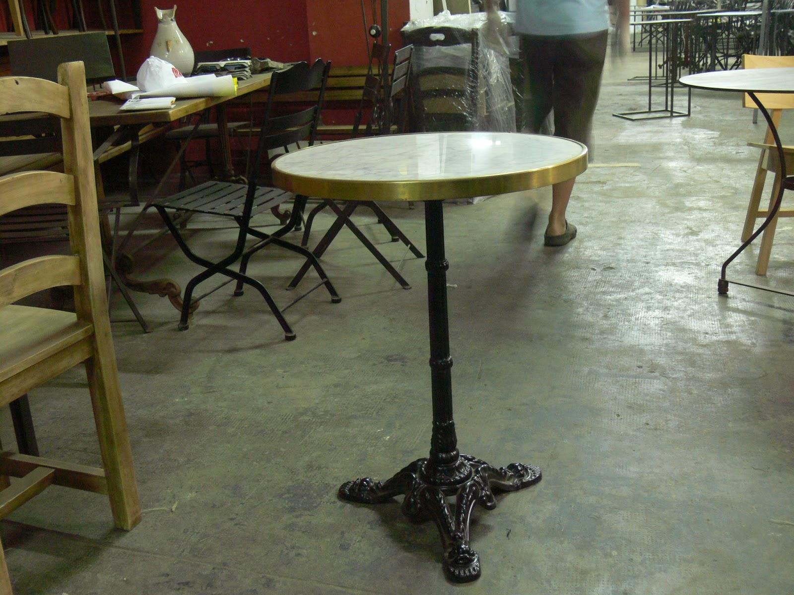 Mesas y sillas retro mobiliario vintage de estilo - Mesas para hosteleria ...