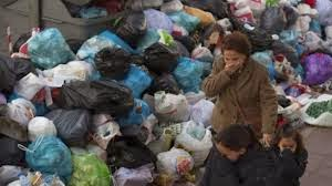 http://www.presstv.ir/detail/2013/11/10/333915/madrid-strike-goes-on-rubbish-piles-up/