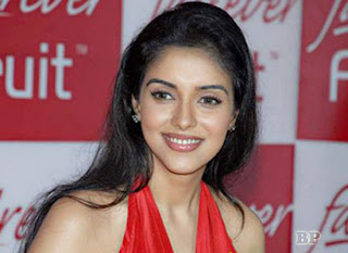Asin_Thottumkal_Bollywood_3