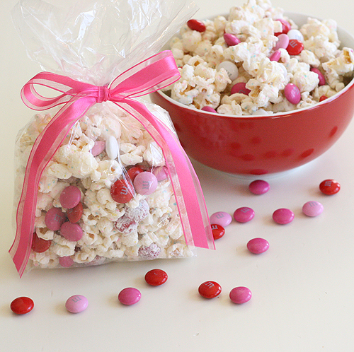 what a fun and simple idea - Valentine Goodie Bag Ideas