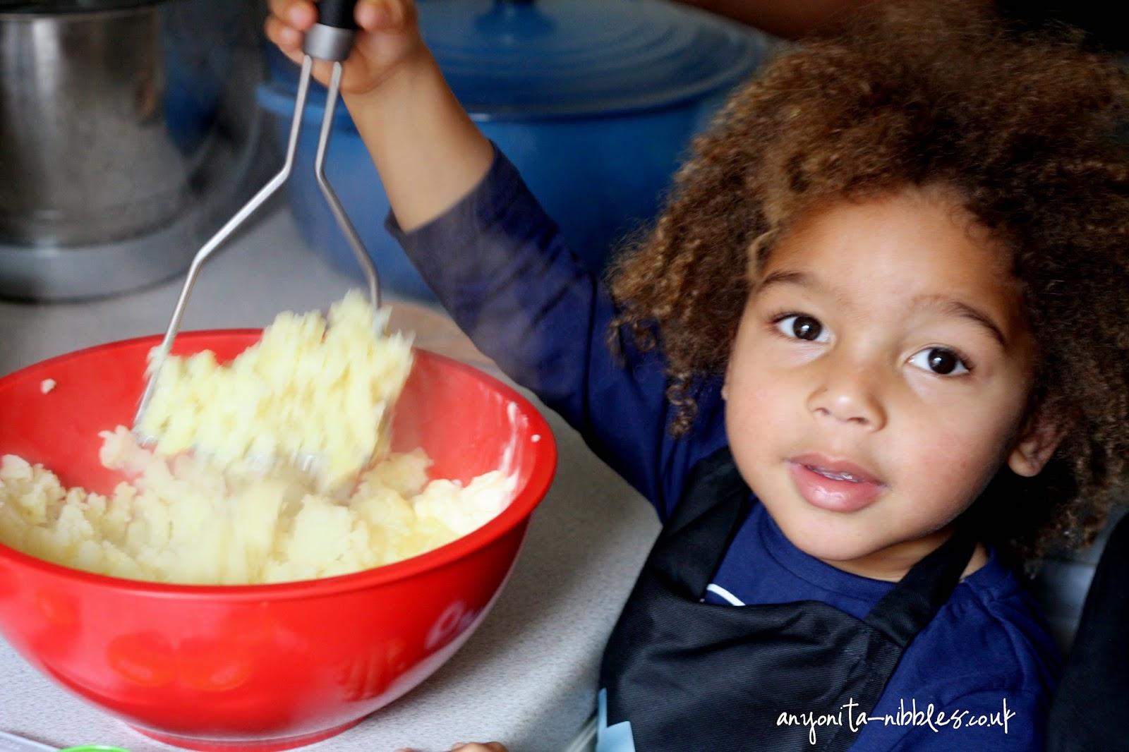 Mashed potato making from anyonita-nibbles.co.uk
