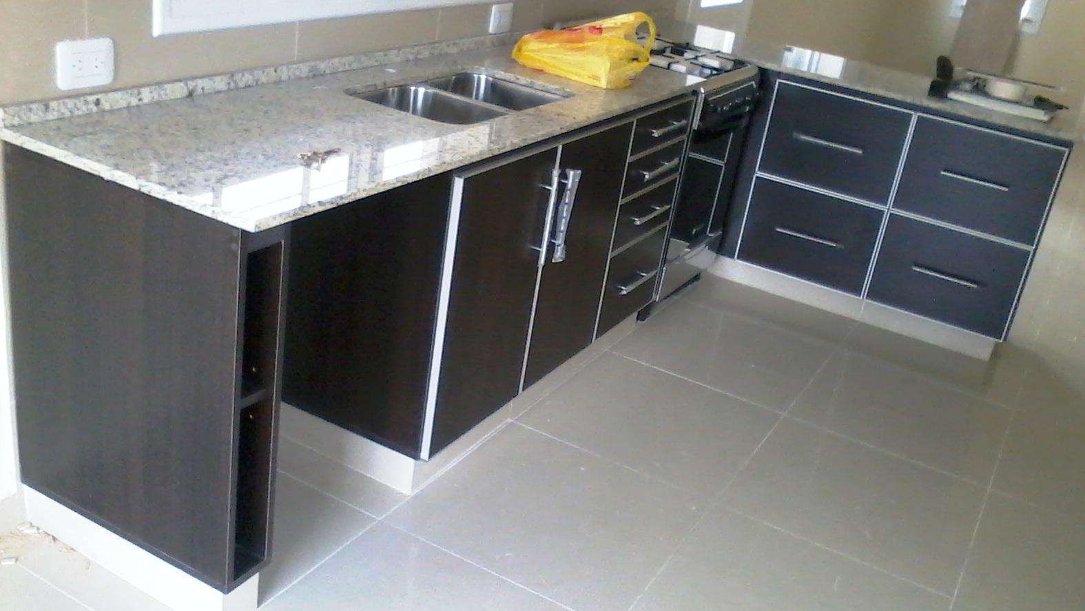 Reynaga muebles mueble de cocina a medida en wengue con - Mueble de obra ...
