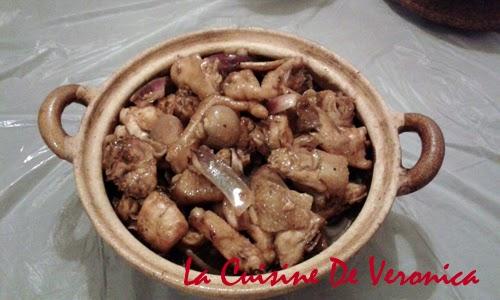 La Cuisine De Veronica 蔥頭雞煲