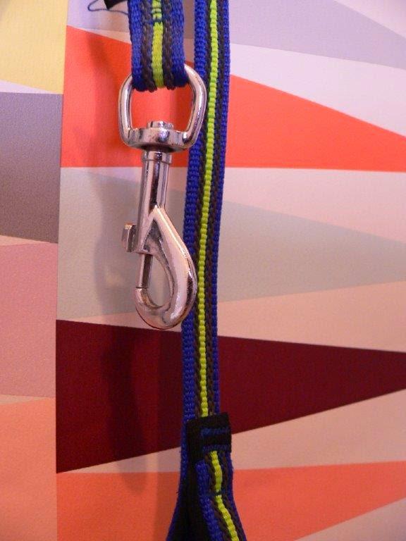 Tapete DIY IKEA doppelseitiges Klebeband tapezieren Flur heimwerken