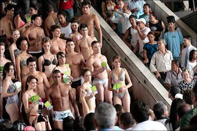Suasana Hari Pakaian Dalam Di Brazil