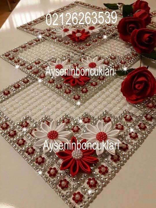 Crochet et peinture nappes en perles - Les nappes des tables ...