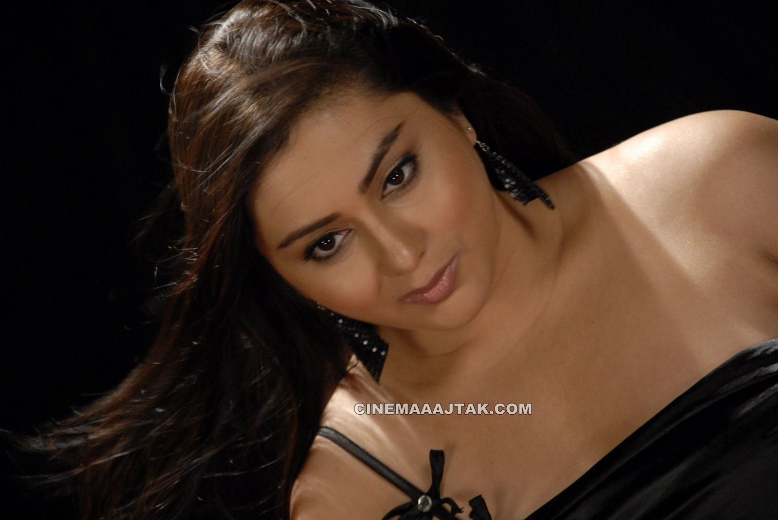 Namita Looking Hot In Love College Movie Images - DesiRulez.