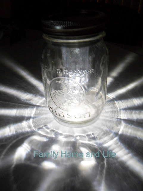 Family Home and Life: Mason Jar Solar Light