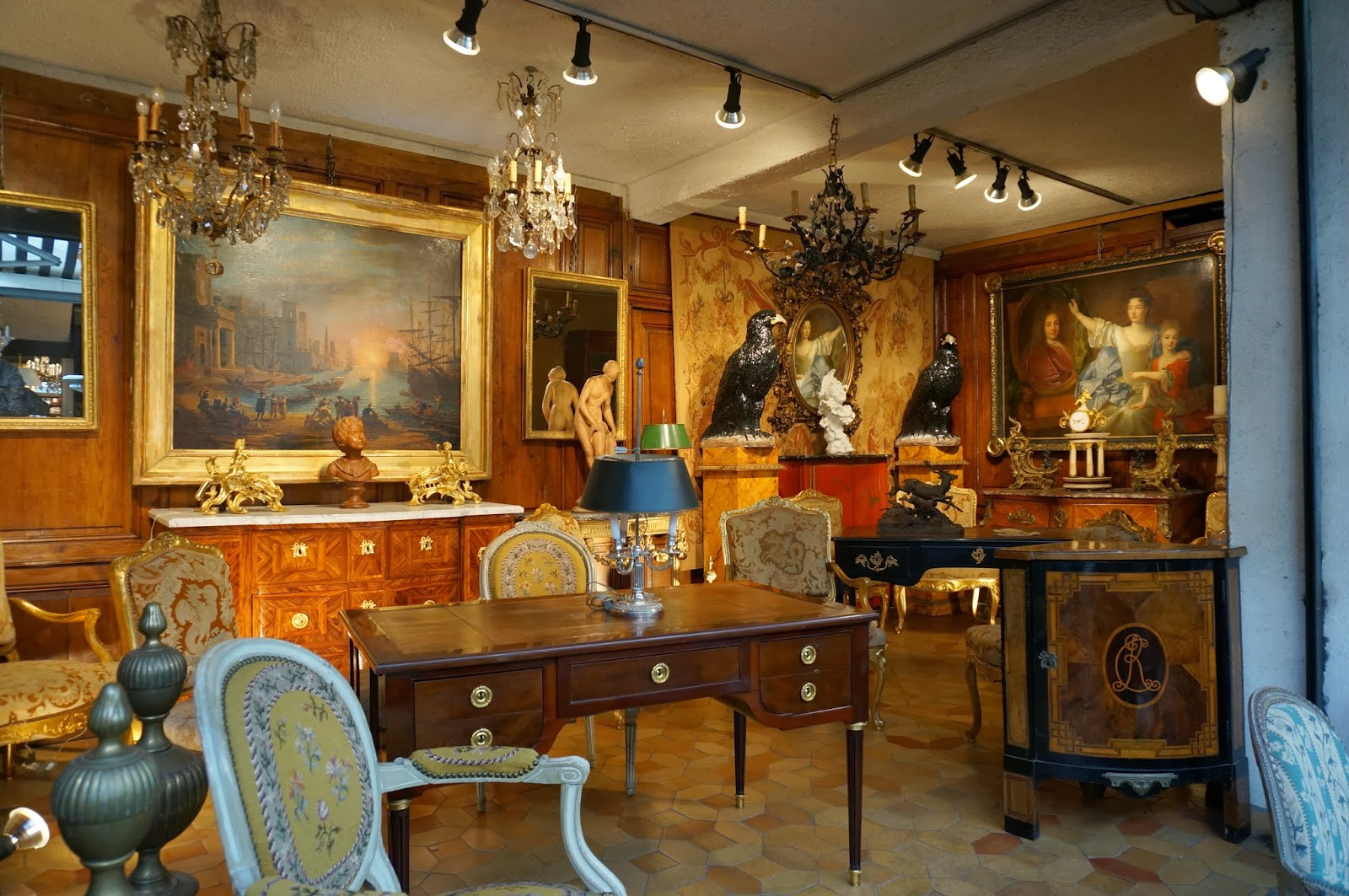 vignette design shopping the paris brocante. Black Bedroom Furniture Sets. Home Design Ideas