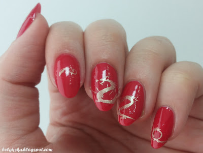 http://belgijska.blogspot.com/2015/09/31dc2015-red-nails.html