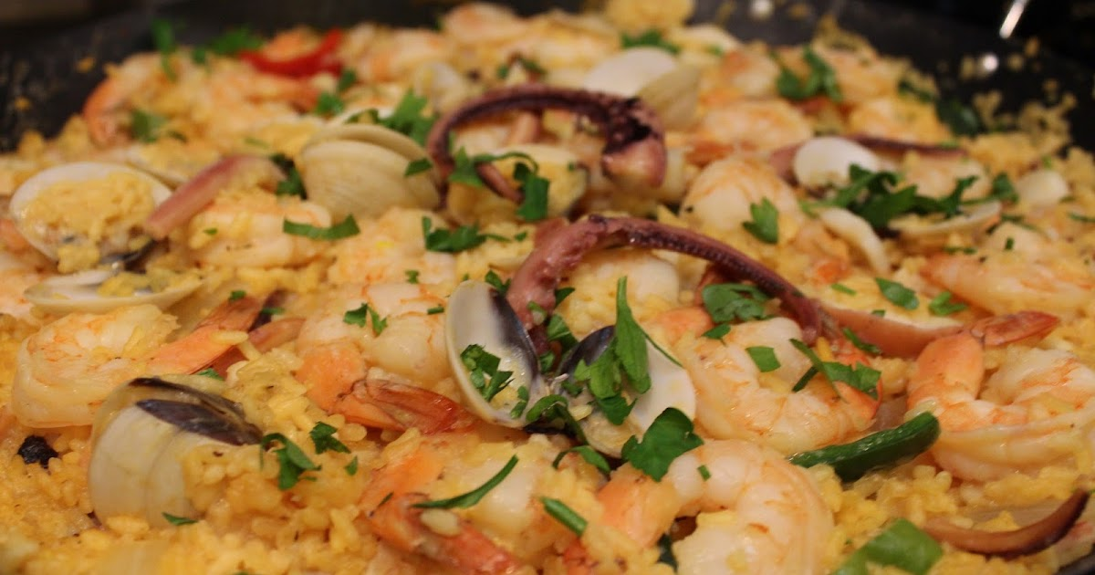 FLOWER POT KITCHEN: SEAFOOD PAELLA WITH FRESH CLAMS, PRAWNS AND ...