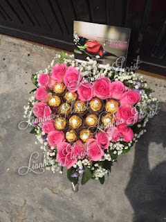 bouquet untuk pacar, handbouquet, bunga buket mawar, buket coklat, buket bunga dan coklat, buket untuk pacar, buket bunga cantik,