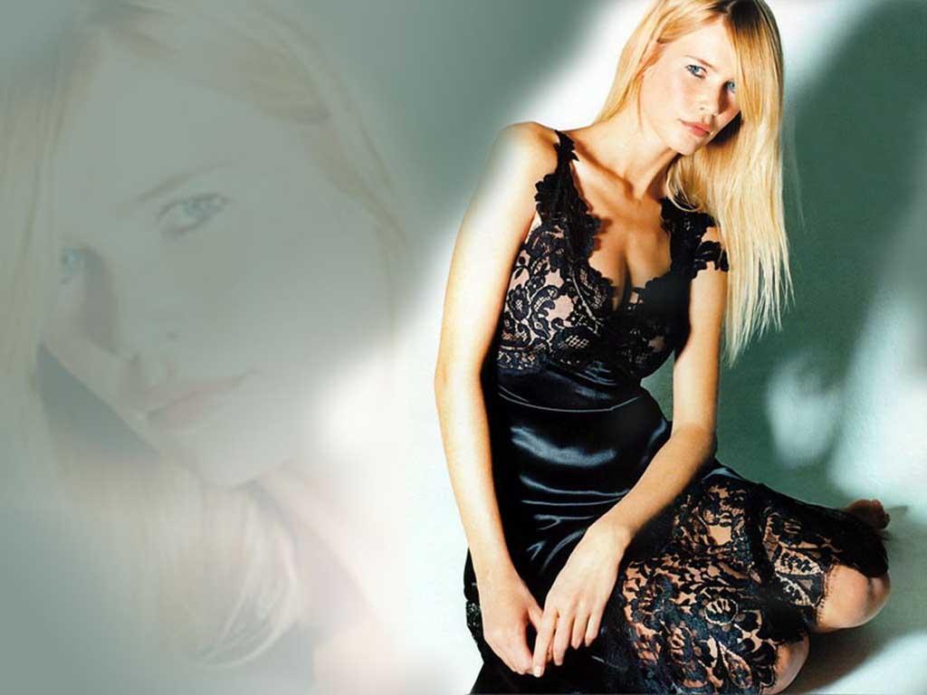 http://3.bp.blogspot.com/-bfnIVKP3Bk4/ToNnJmlgBSI/AAAAAAAABxU/jr5M0jpHYLg/s1600/Claudia_Schiffer_035.jpg