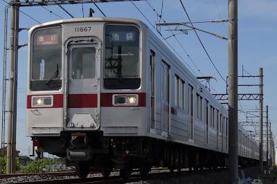 東武東上線を走る10050系