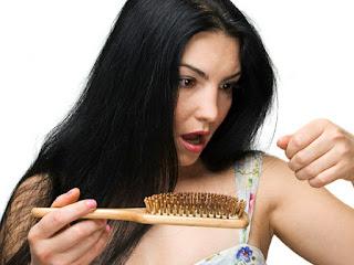 Rambut Anda Rontok? Atasi Dengan Bahan Alami Ini