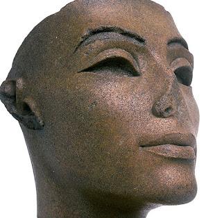 Marinetti love santelia Eufrasio saluditero nefertiti busto El Cairo Cincel nariz