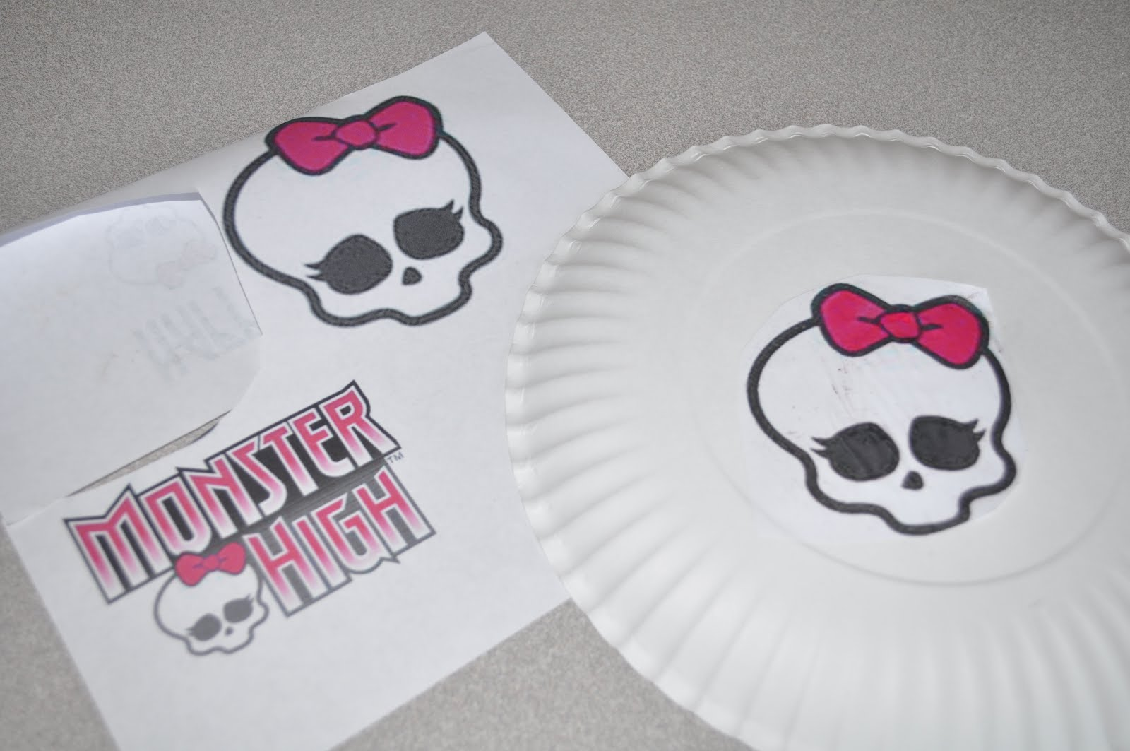how to make smile paper plate cookies