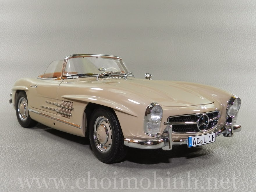 Mercedes-Benz 300 SL Roaster 1957 1:18 Minichamps