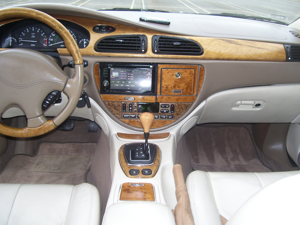 Its my car club 05 04 12 for Interior designs 2000