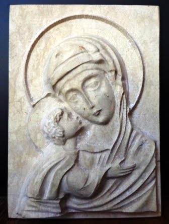 релеф каменна икона