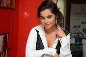 Hashika Dutt latest glam photo shoot-thumbnail-12