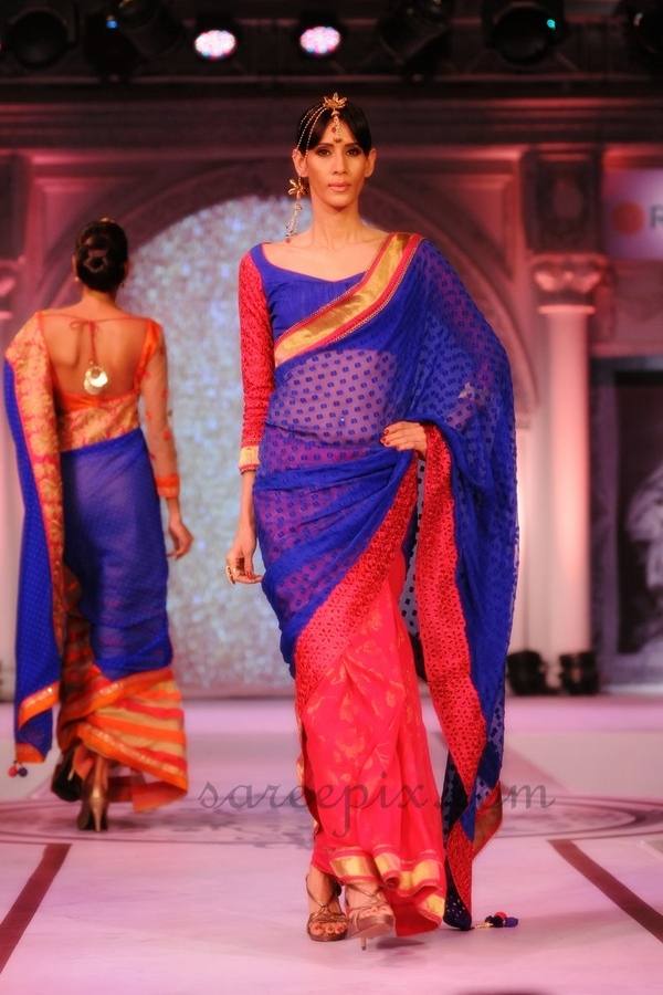 Models-ramp-walk-transparent-blue-Rajguru-sarees