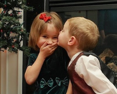 Cute Babies Kissing picture free download