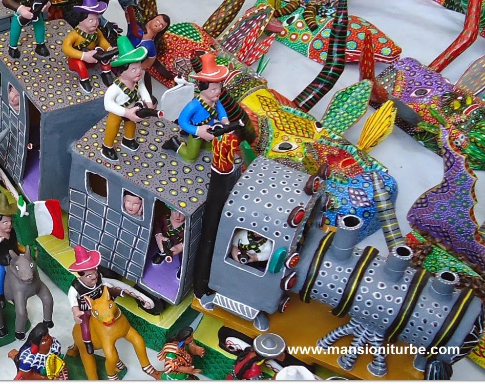 Juguetes Artesanales como este Trenecito de Ocumicho Michoacán