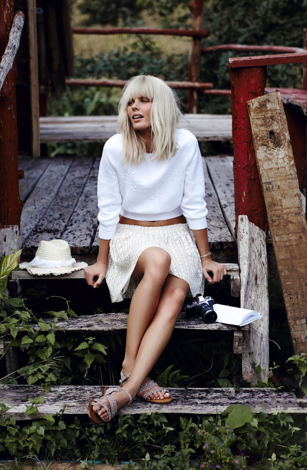 Marlijn Hoek in White in the wild | Marie Claire Netherlands May 2013 (photography: Carmen Kemmink, styling: Marjolein Mos)