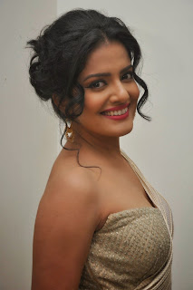 Vishakha Singh at rowdy fellow audio 040.jpg