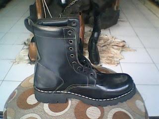 sepatu boot underground tinggi 25 cm