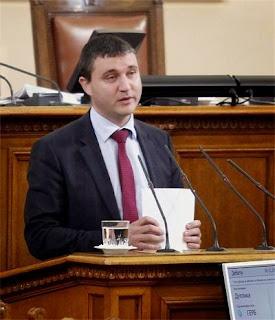 Горанов: Великденски добавки ще има в зависимост от размера на пенсиите