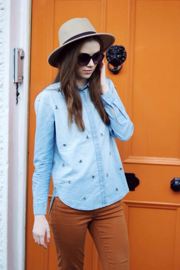 Denim shirt & fedora hat