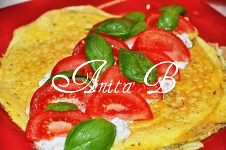 Scarsdale Diet Recipes: Omelette with Cottage Cheese and Tomatoes