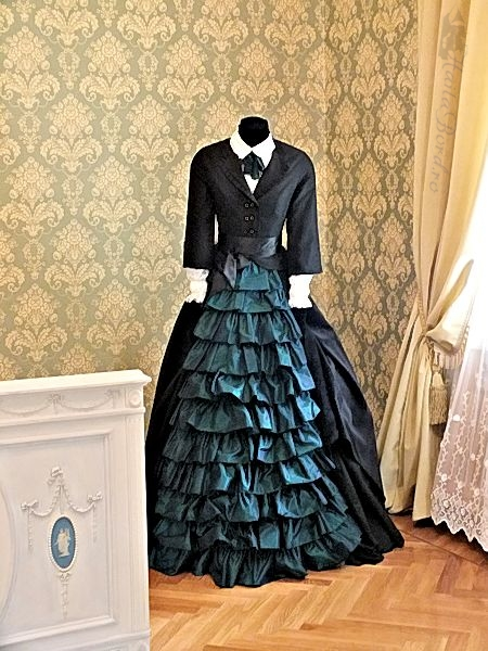 rochie palatul ruginoasa