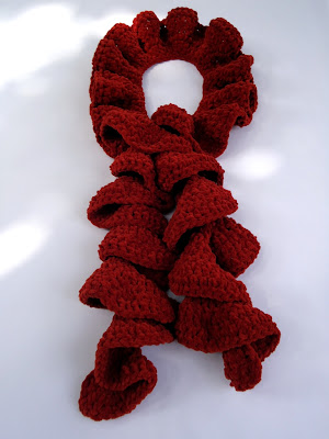 Free Crochet Pattern - Simple Ruffle Scarf
